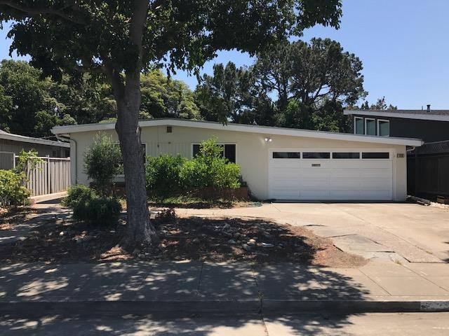 78 Poinsettia Ave, San Mateo, CA 94403 (#ML81667415) :: Carrington Real Estate Services
