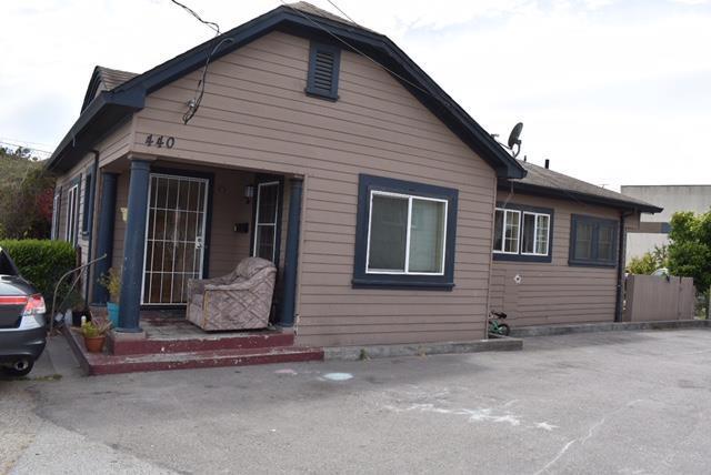 440 Soledad St, Salinas, CA 93901 (#ML81670044) :: Astute Realty Inc