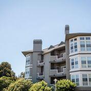 860 Meridian Bay Ln 127, Foster City, CA 94404 (#ML81672113) :: The Gilmartin Group