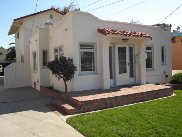 325 West St, Salinas, CA 93901 (#ML81681935) :: RE/MAX Real Estate Services