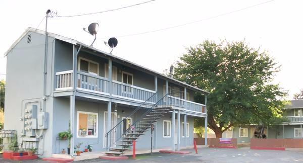 6004 Martin Luther King Jr Blvd, Sacramento, CA 95824 (#ML81682491) :: Brett Jennings Real Estate Experts