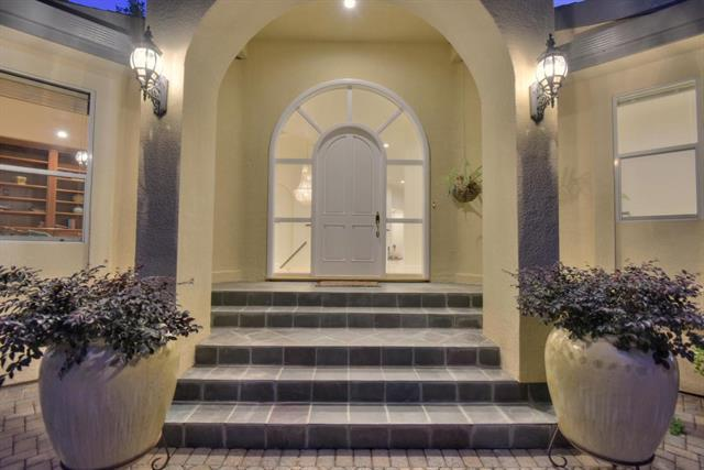 54 Old Orchard Rd, Los Gatos, CA 95033 (#ML81684427) :: The Goss Real Estate Group, Keller Williams Bay Area Estates