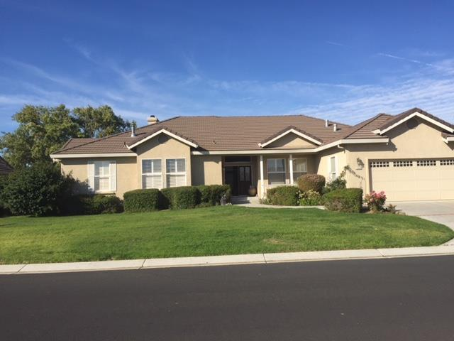 1235 Paullus Dr, Hollister, CA 95023 (#ML81690275) :: The Kulda Real Estate Group
