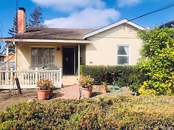 1558 Jefferson Ave, Redwood City, CA 94062 (#ML81694185) :: The Dale Warfel Real Estate Network