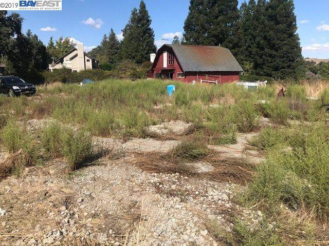 622 Happy Valley Rd, Pleasanton, CA 94566 (#BE40890735) :: The Kulda Real Estate Group