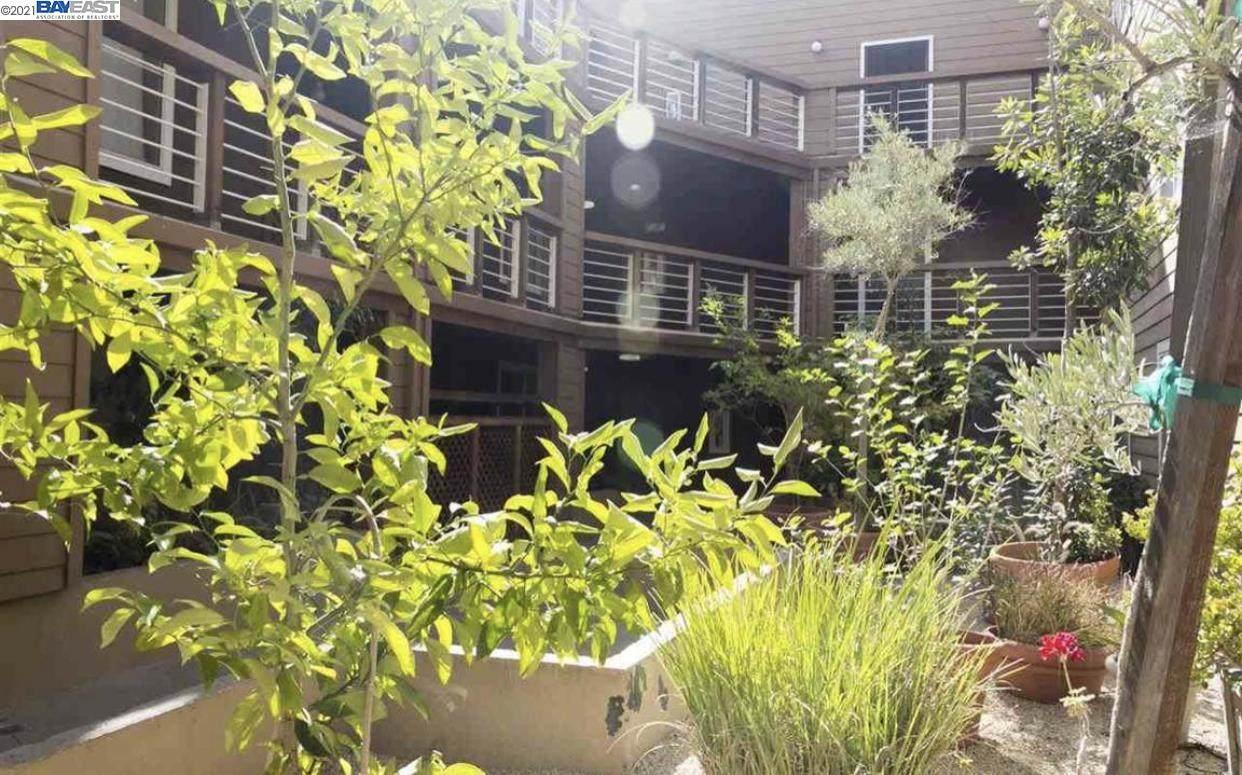2901 Macarthur Blvd 106 - Photo 1