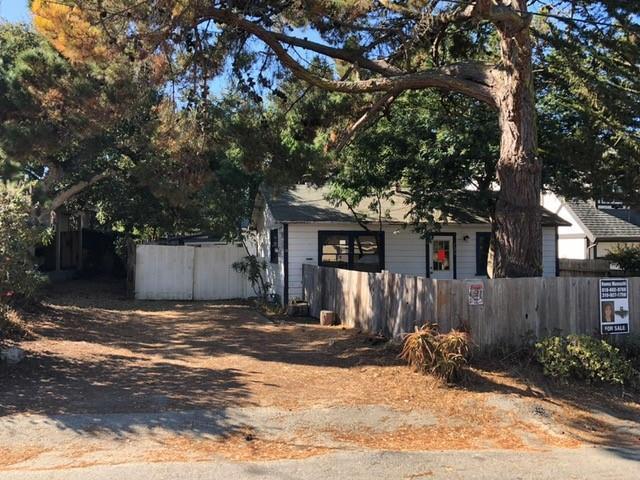 725 Lyndon St, Monterey, CA 93940 (#ML81721283) :: Perisson Real Estate, Inc.