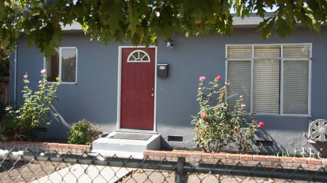 925 7th Ave, Redwood City, CA 94063 (#ML81726682) :: The Gilmartin Group