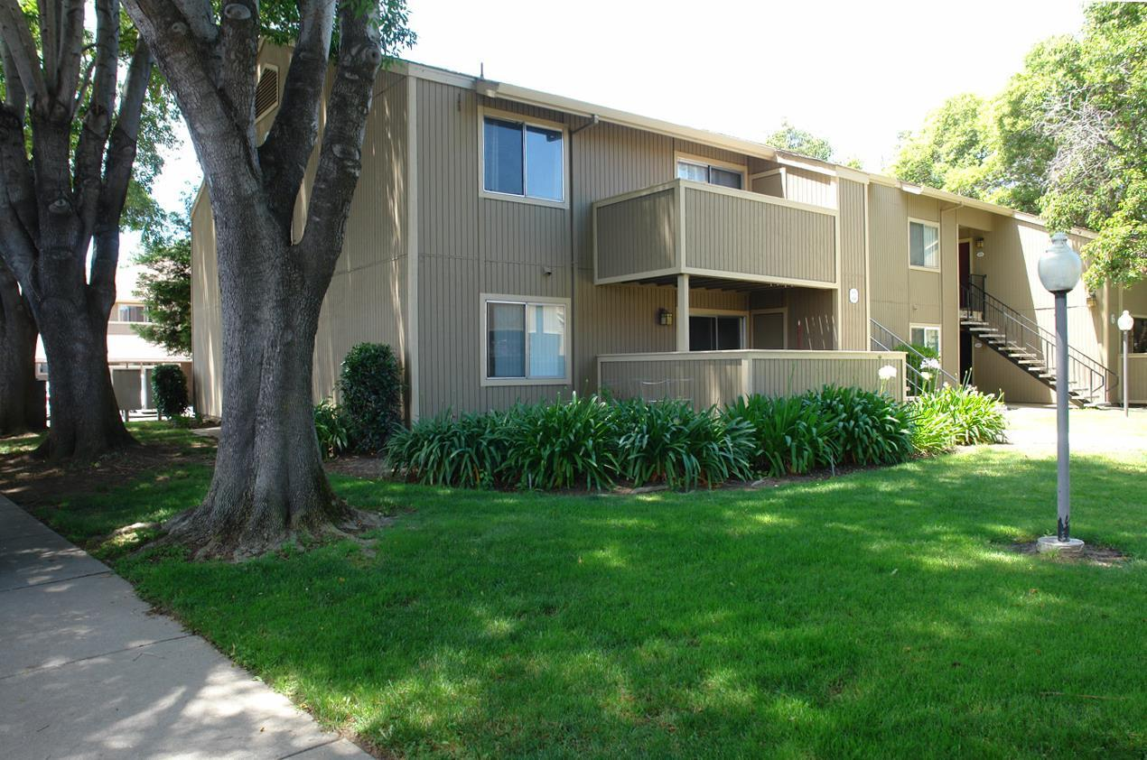 3261 Foxtail Ter - Photo 1