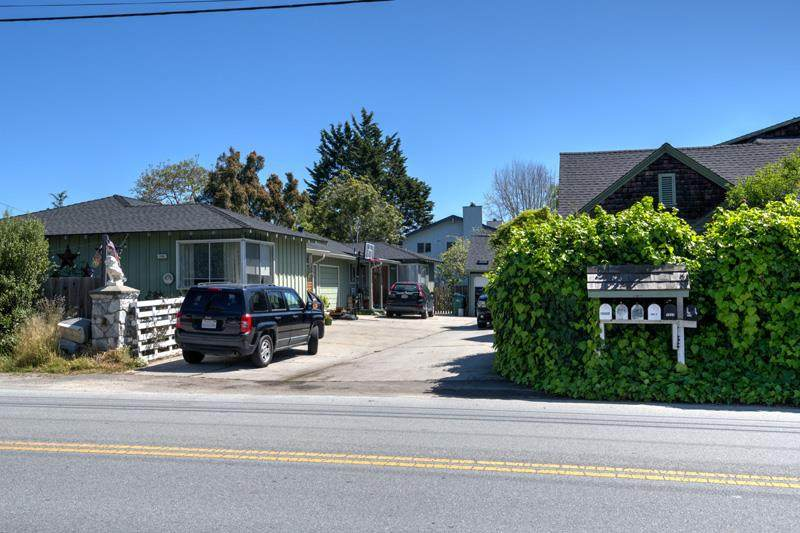 1550 30th Ave - Photo 1