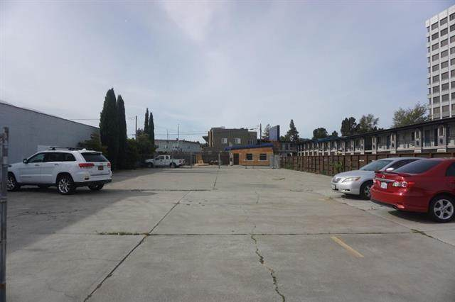 2164 Palm Ave, San Mateo, CA 94403 (#ML81804388) :: Alex Brant Properties