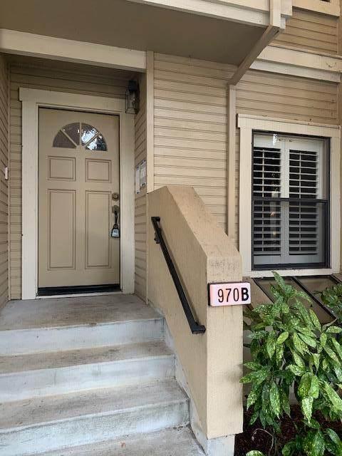 970 La Mesa Ter B, Sunnyvale, CA 94086 (#ML81817189) :: Intero Real Estate