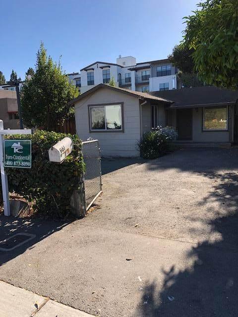 961 Sherwood Ave, Los Altos, CA 94022 (#ML81864962) :: The Kulda Real Estate Group