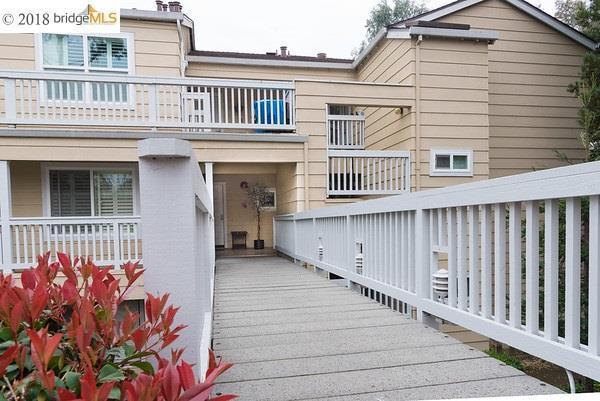158 Farm Ln, Martinez, CA 94553 (#EB40813336) :: The Kulda Real Estate Group