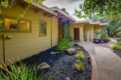1267 La Cumbre Rd, Hillsborough, CA 94010 (#ML81682352) :: The Gilmartin Group