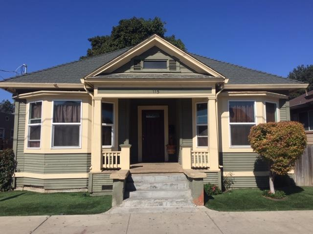 115 Grant St, Watsonville, CA 95076 (#ML81727524) :: The Kulda Real Estate Group