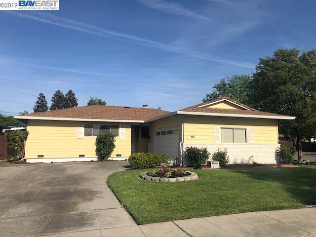 1382 Lillian St, Livermore, CA 94550 (#BE40863075) :: Strock Real Estate