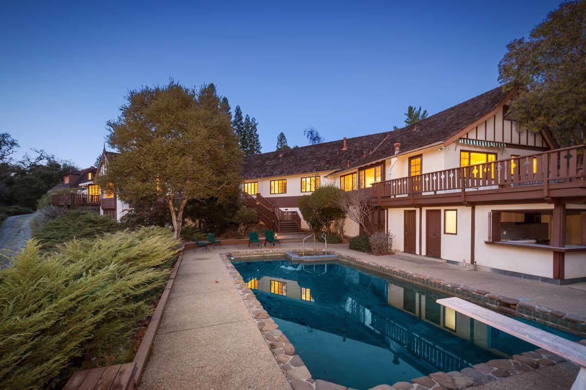 135 Farm Rd, Woodside, CA 94062 (#ML81688256) :: The Goss Real Estate Group, Keller Williams Bay Area Estates