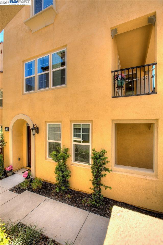 3326 Bramante Ln, Dublin, CA 94568 (#BE40868894) :: Strock Real Estate