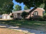 501 Veterans Dr - Photo 1