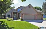 719 Inverness Dr - Photo 1