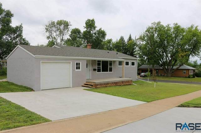 1901 E 12th St, Sioux Falls, SD 57103 (MLS #22004893) :: Tyler Goff Group