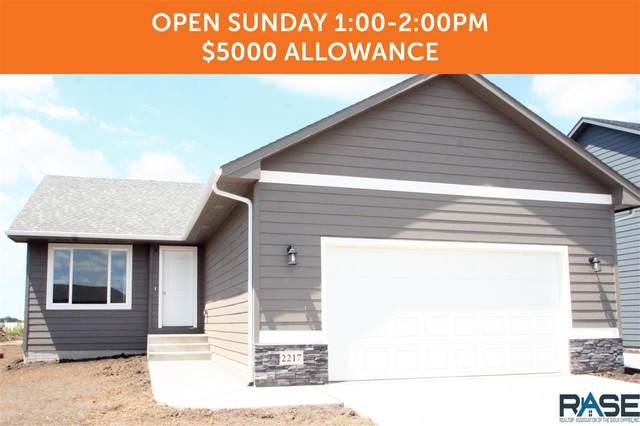 2217 S Ronsiek Ave, Sioux Falls, SD 57106 (MLS #22001793) :: Tyler Goff Group
