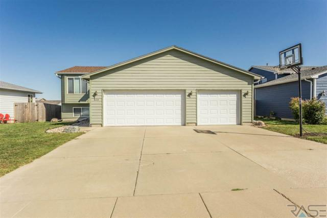 828 S Tanglewood Ave, Sioux Falls, SD 57106 (MLS #21706057) :: Tyler Goff Group