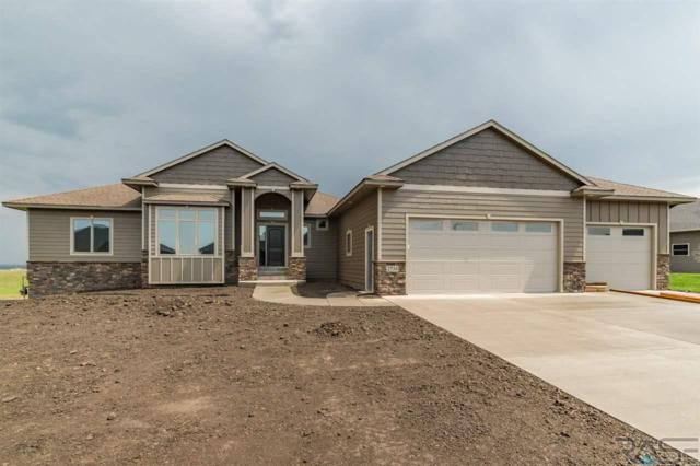 2734 S Burns Knoll Cir, Sioux Falls, SD 57110 (MLS #21802877) :: Tyler Goff Group