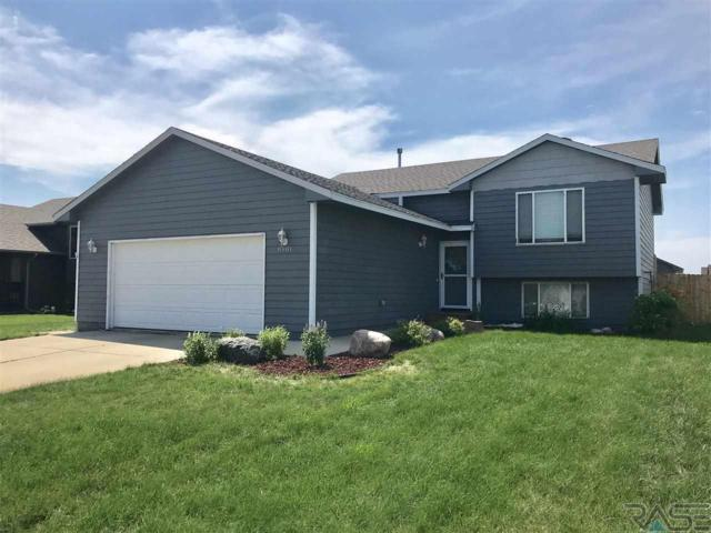 8901 W 18th St, Sioux Falls, SD 57106 (MLS #21804060) :: Tyler Goff Group