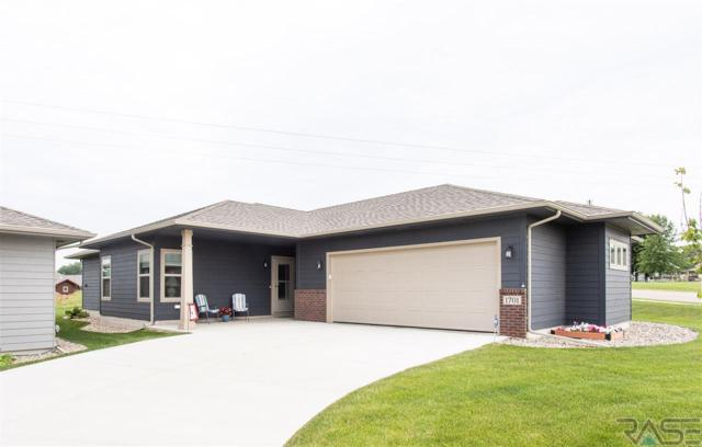 1701 Foss Ave, Sioux Falls, SD 57110 (MLS #21804179) :: Tyler Goff Group