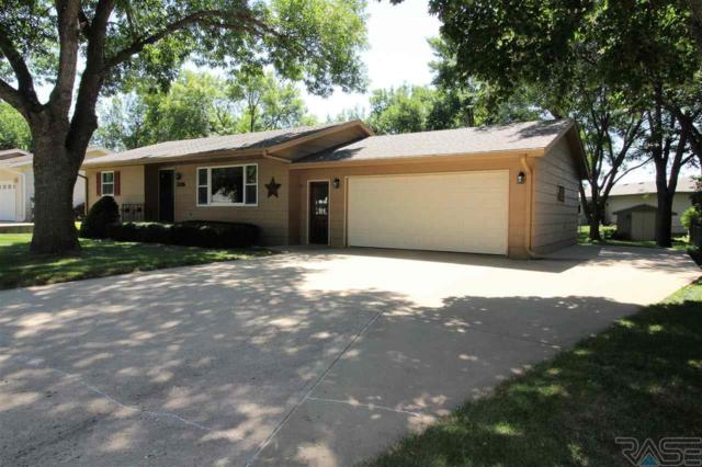 305 E Cedar St, Brandon, SD 57005 (MLS #21804729) :: Tyler Goff Group