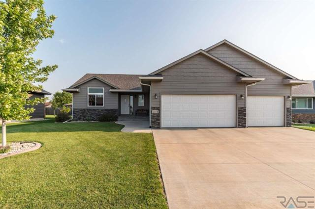 7704 W Lobelia St, Sioux Falls, SD 57106 (MLS #21804785) :: Tyler Goff Group