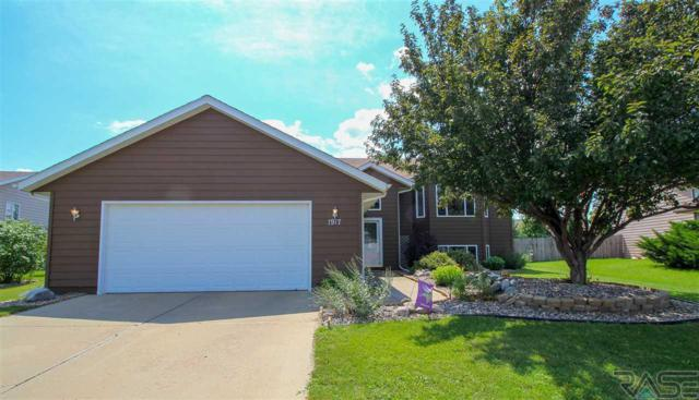 1917 S Dorothy Ave, Sioux Falls, SD 57106 (MLS #21805059) :: Tyler Goff Group
