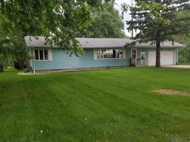 208 8th Ave Nw NW, Pipestone, MN 56164 (MLS #21805095) :: Tyler Goff Group