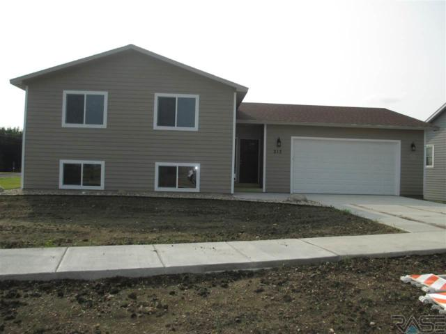 213 N Cedar St, Lennox, SD 57039 (MLS #21805166) :: Tyler Goff Group