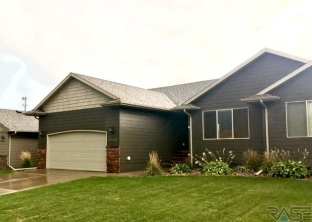 1923 S Wheatland Ct, Sioux Falls, SD 57106 (MLS #21805942) :: Tyler Goff Group