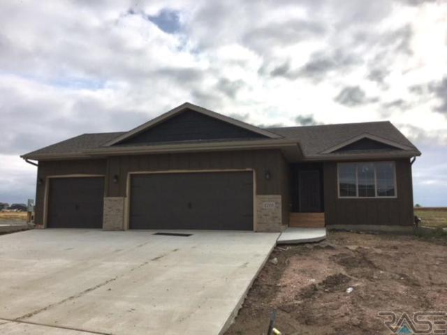2705 S Keyrell Dr, Sioux Falls, SD 57106 (MLS #21806434) :: Tyler Goff Group