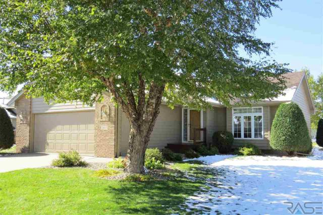 5405 S Lewis Ave, Sioux Falls, SD 57108 (MLS #21806510) :: Tyler Goff Group