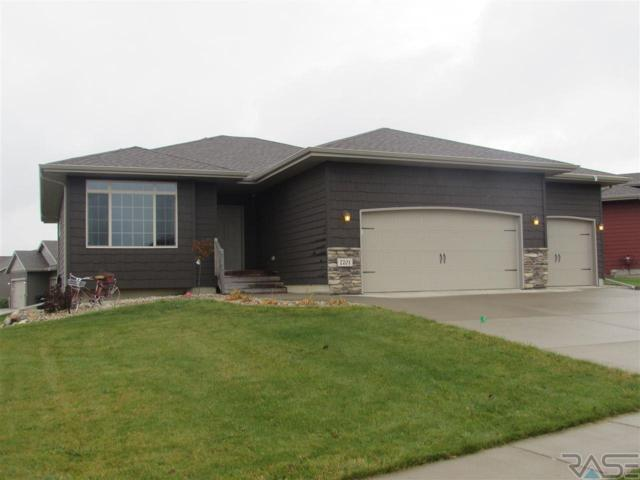 7701 W Vista Park St, Sioux Falls, SD 57106 (MLS #21806718) :: Tyler Goff Group