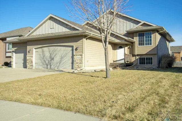 2308 S Ollerich Ave, Sioux Falls, SD 57106 (MLS #21807290) :: Tyler Goff Group