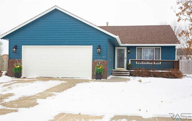 613 S Perry Ln, Harrisburg, SD 57032 (MLS #21900647) :: Tyler Goff Group