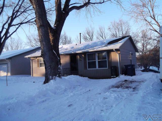 308 Oak Ave, Baltic, SD 57003 (MLS #21900818) :: Tyler Goff Group