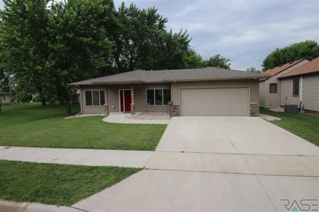 221 W 3rd St, Canton, SD 57013 (MLS #21903848) :: Tyler Goff Group