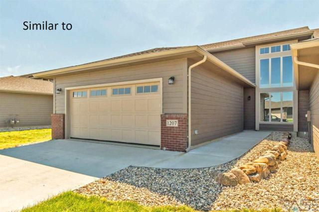 5602 S Woodlily Ave, Sioux Falls, SD 57108 (MLS #21903895) :: Tyler Goff Group