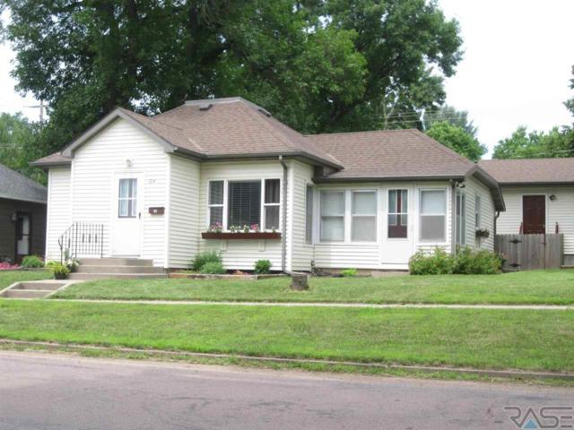 104 E 3rd St, Dell Rapids, SD 57022 (MLS #21904614) :: Tyler Goff Group