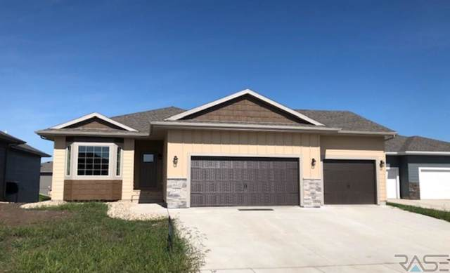 9512 W Keyrell Cir, Sioux Falls, SD 57106 (MLS #21905713) :: Tyler Goff Group