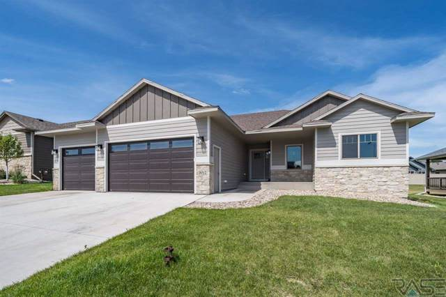 5012 E Cattail Dr, Sioux Falls, SD 57110 (MLS #21905721) :: Tyler Goff Group