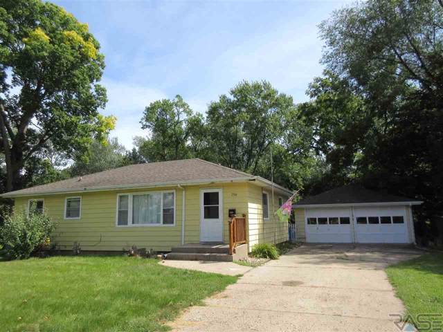 706 N Blanche Ave, Madison, SD 57042 (MLS #21905726) :: Tyler Goff Group