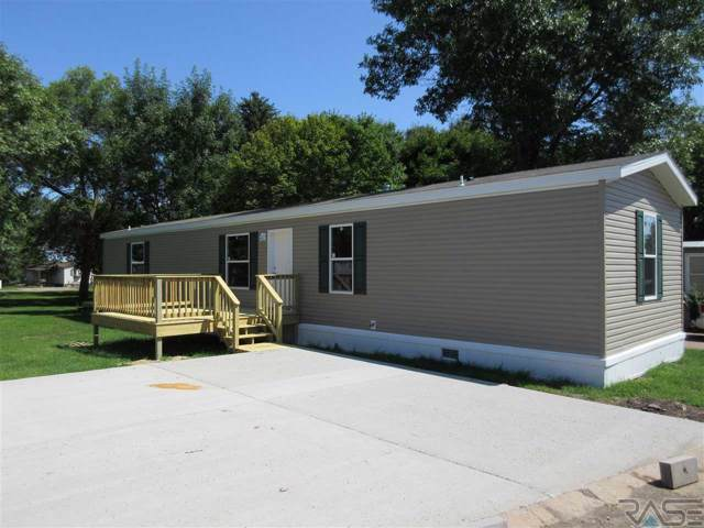 318 NW 9th St, Madison, SD 57042 (MLS #21907529) :: Tyler Goff Group